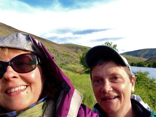 Heidi and Sher along the Deschutes River.